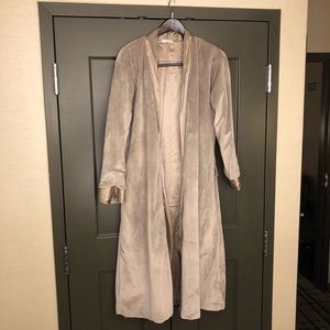 Giraffe at Home taupe satin luxe robe